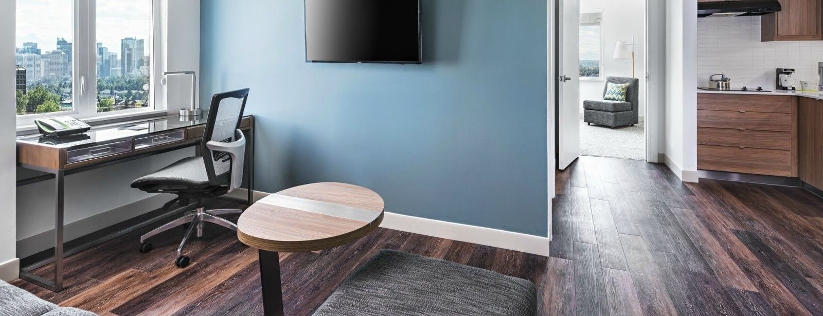 Calgary Airport accommordations - Executive Suite